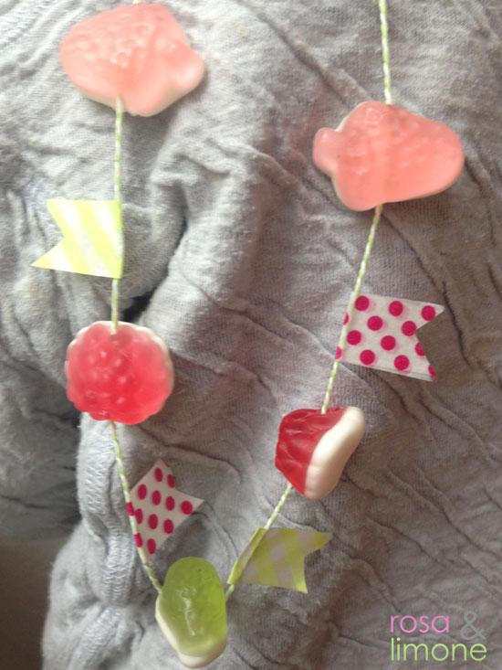 Kindergeburtstagskette-mit-Gummibärchen-rosa&limone