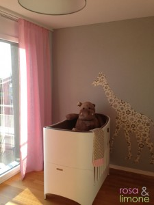 Kinderzimmer-Leanderbett-rosa&limone