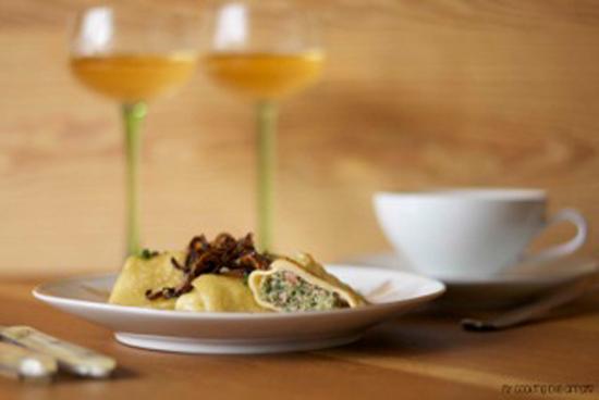 Maultaschen-mit-Wein-rosa&limone