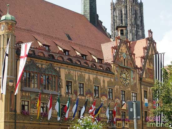 Ulmer-Rathaus-rosa&limone