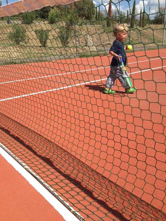Mats-beim-tennis-spielen