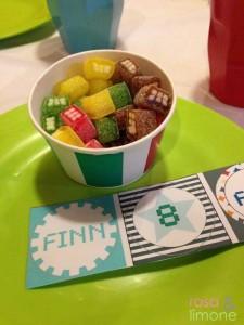 Robotergeburtstag-Tischdeko-Finn-rosa&limone