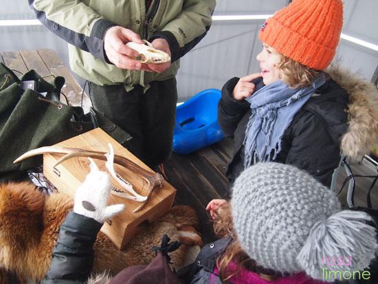 Gebannte-Lerndetektive-im-Schnee-rosa&limone