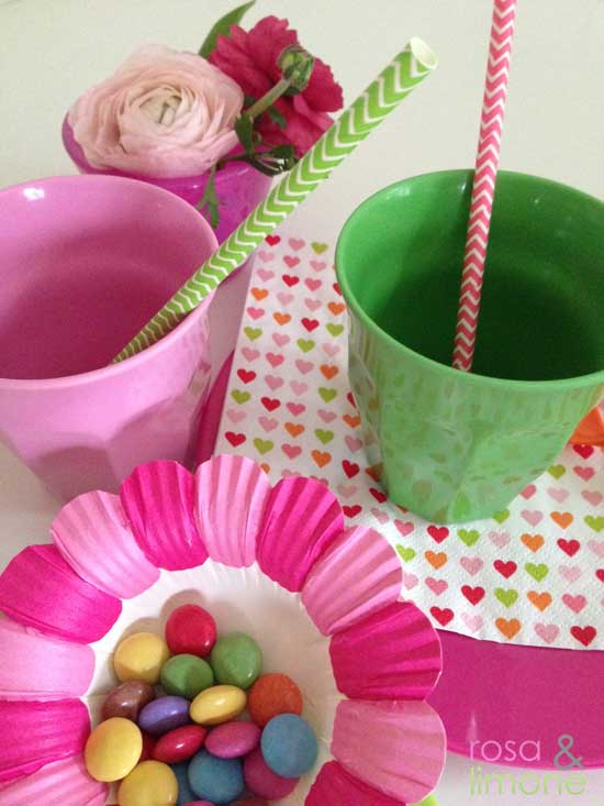 Geburtstagstischdeko-Kindertisch2-Minidrops-rosa&limone
