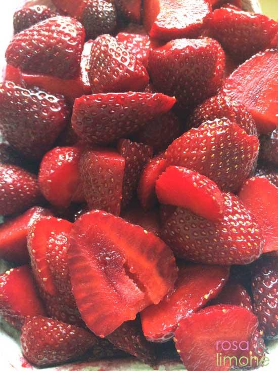 Erdbeeren-klein-geschnitten
