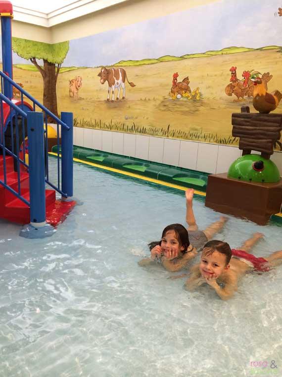 Kinderhotel-Oberjoch-rosaundlimone-pool-2