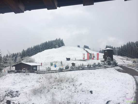 Blick-in-den-Schnee-Allgaeuer-Berghof