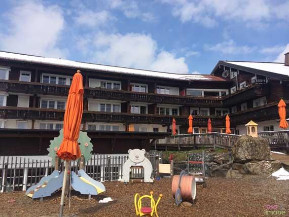 Kinderspielplatz-Allgaeuer-Berghof