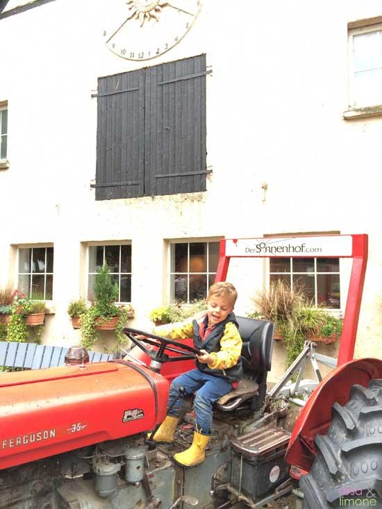 Sonnenhof-Stuttgart-Traktor