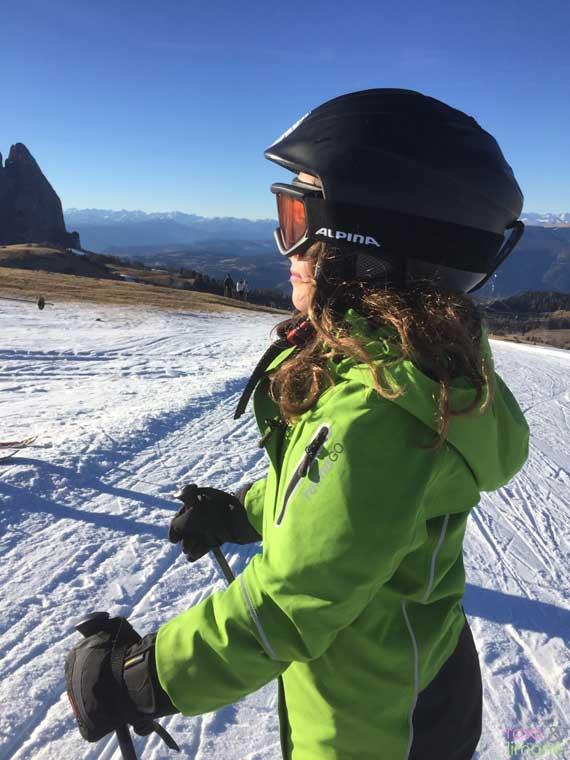 ReimaGo-Louisa-beim-Skifahren-Seitenprofil