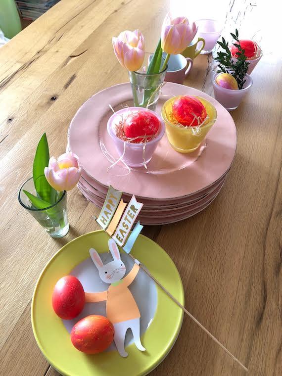 Ostereier in gelb und rosa