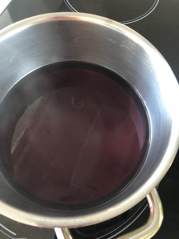 Kirschsaft Zwiebackdessert mit Nougatcreme und Kirschen