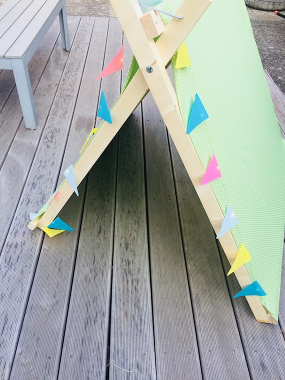 TWERCS DIY Zelt mit Wimpelkette