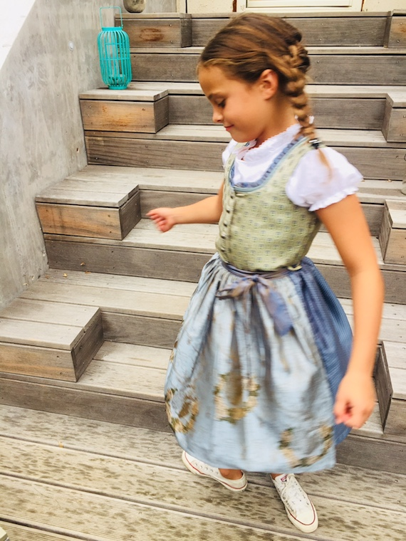Kinderdirndl Mail 4