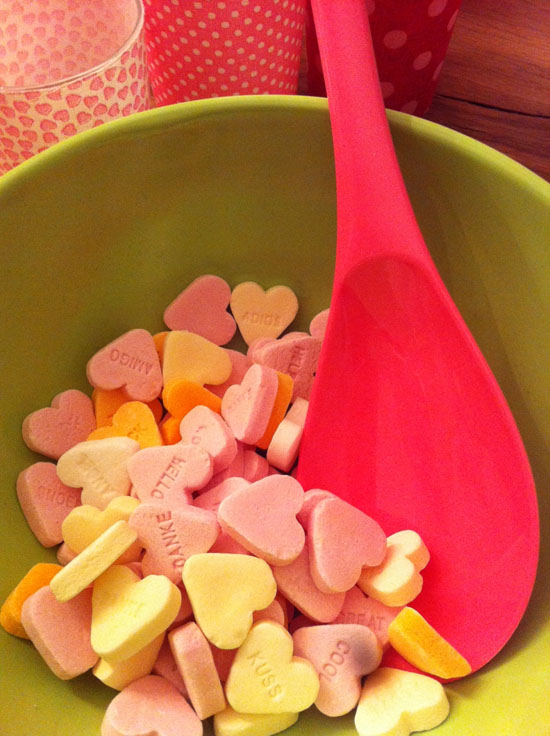Brauseherzen-in-Schuessel Valentinstag
