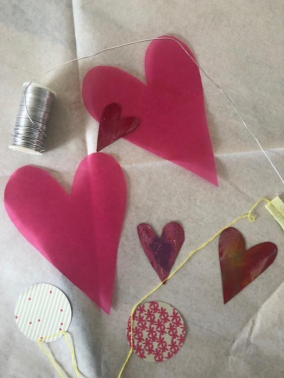 Muttertagsgeschenk ein Muttertagsherz zum selber basteln Materialien