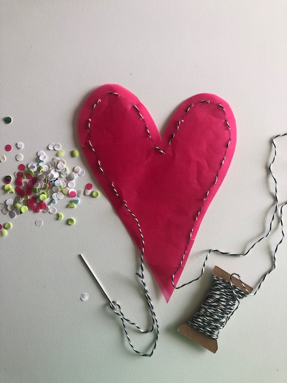 Muttertagsgeschenk ein Muttertagsherz zum selber basteln Herz nähen