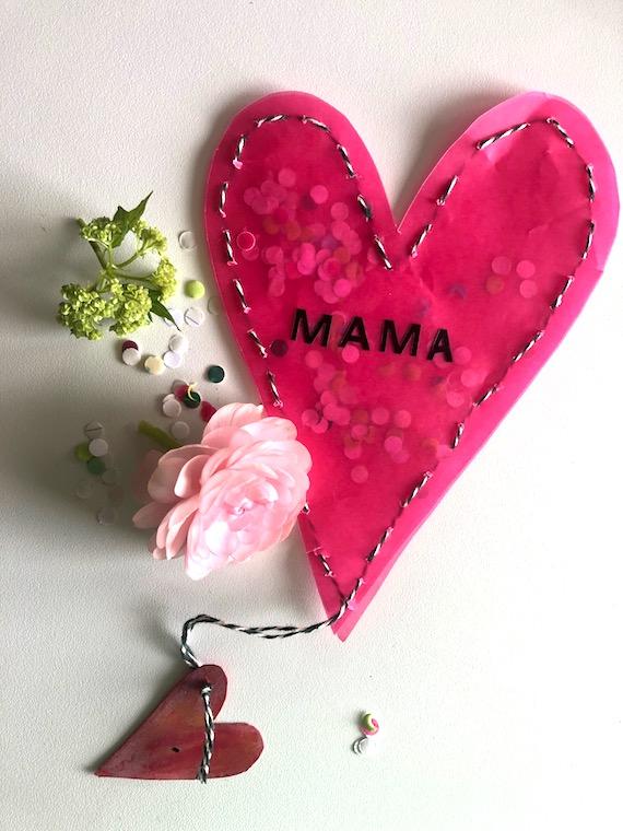 Muttertagsgeschenk zum selber basteln Muttertagsherz mit Konfetti
