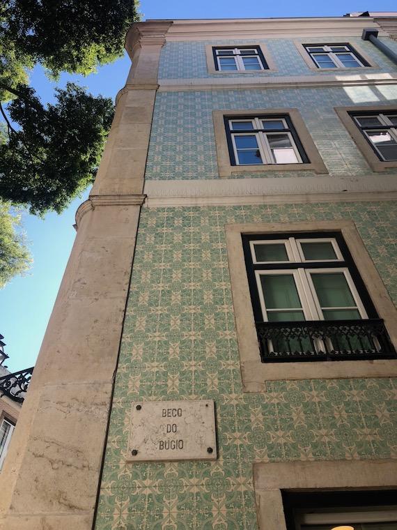 Kurztrip_Lissabon-Geheimtipps_hausfront