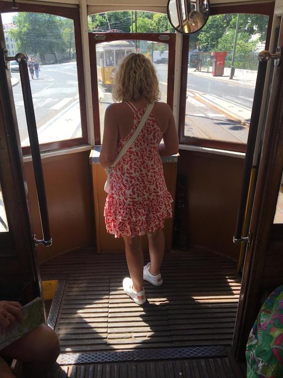 Kurztrip_Lissabon-Geheimtipps_Strassenbahn